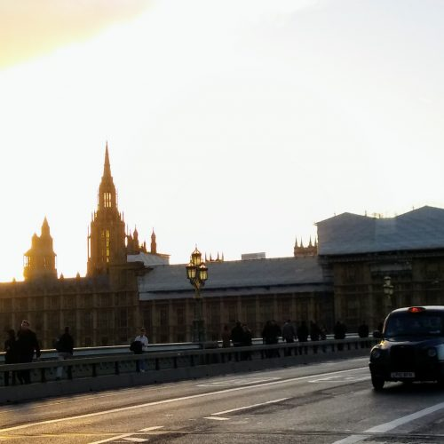 symbole Londynu-Parlament, Big-Ben i czarna taksówka